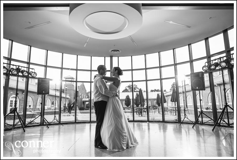 leclair room and siue gardens wedding photos (32)