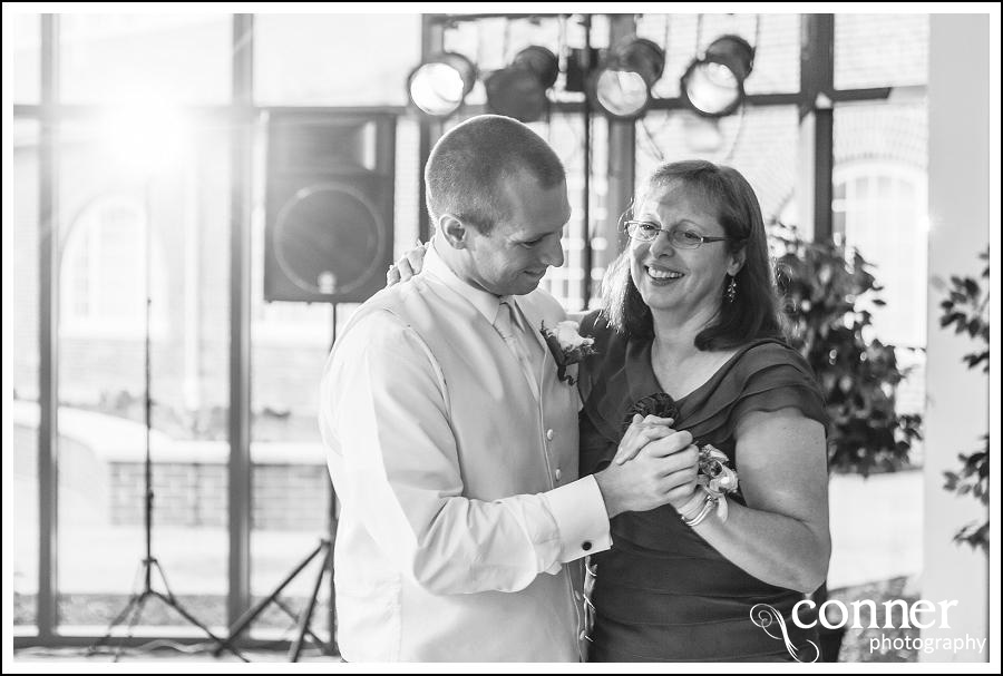 leclair room and siue gardens wedding photos (35)