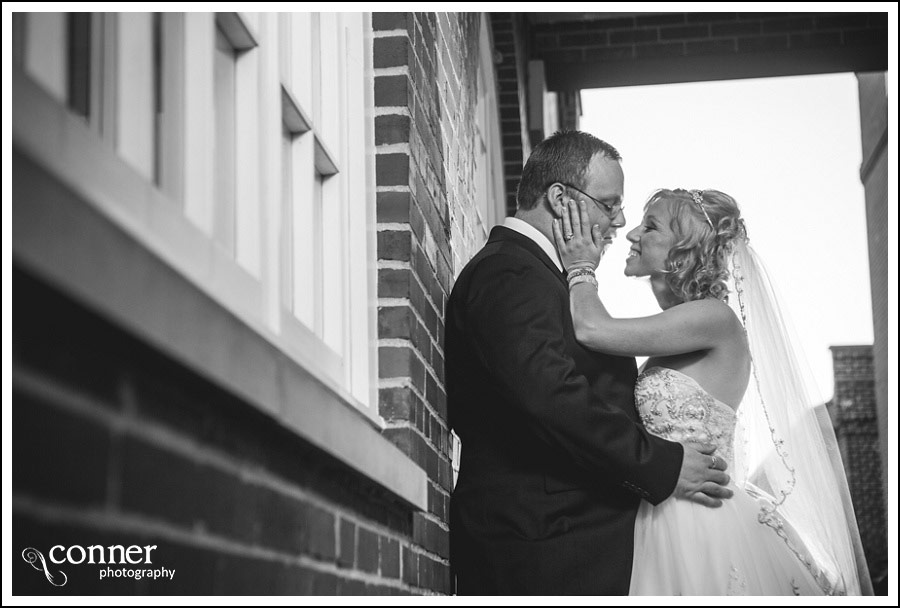 leclaire-room-reception-venue-by-st-louis-wedding-photography_0027