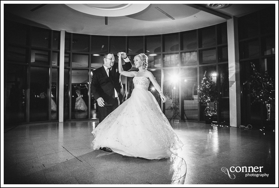 leclaire-room-reception-venue-by-st-louis-wedding-photography_0033