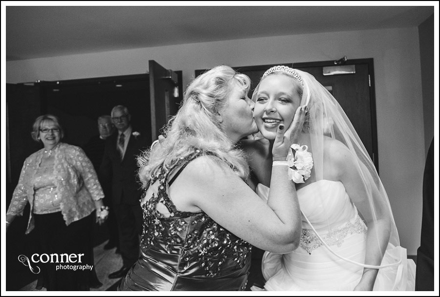 us-navy-wedding-at-first-baptist-st-louis-wedding-photography_0032