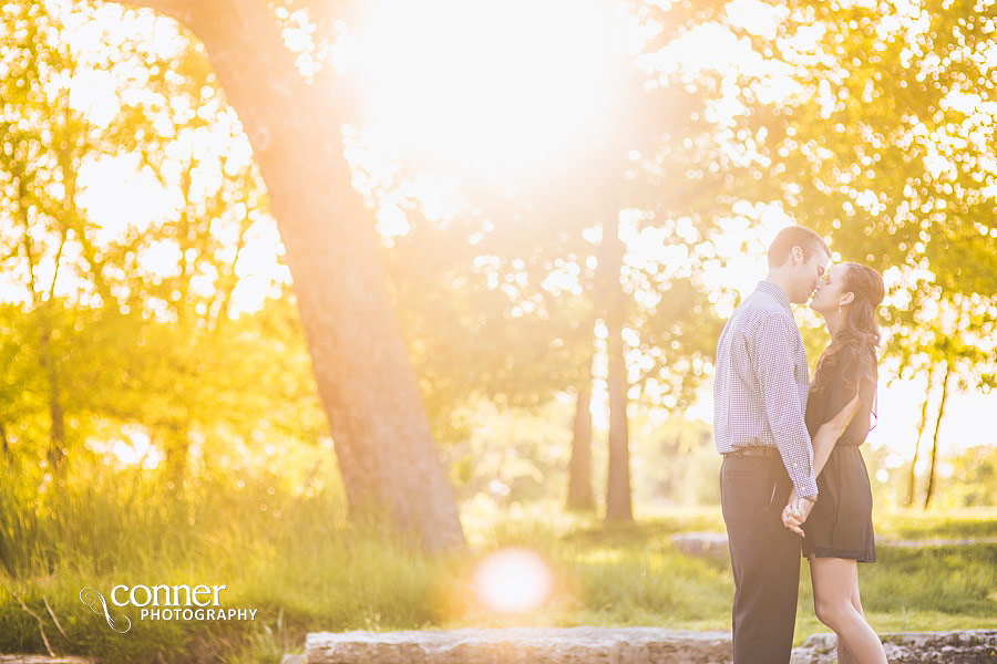forest-park-engagement-photos-by-st-louis-wedding-photographers_0005