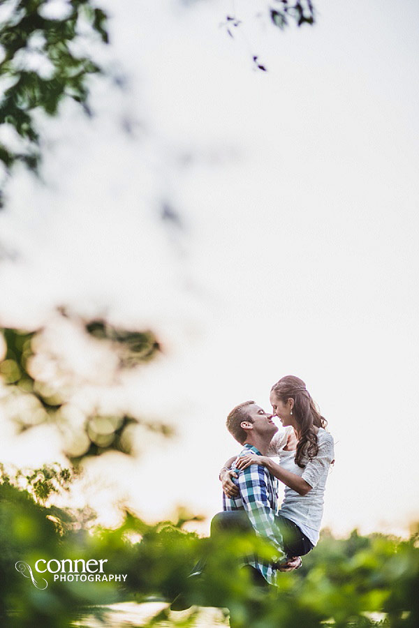 forest-park-engagement-photos-by-st-louis-wedding-photographers_0018