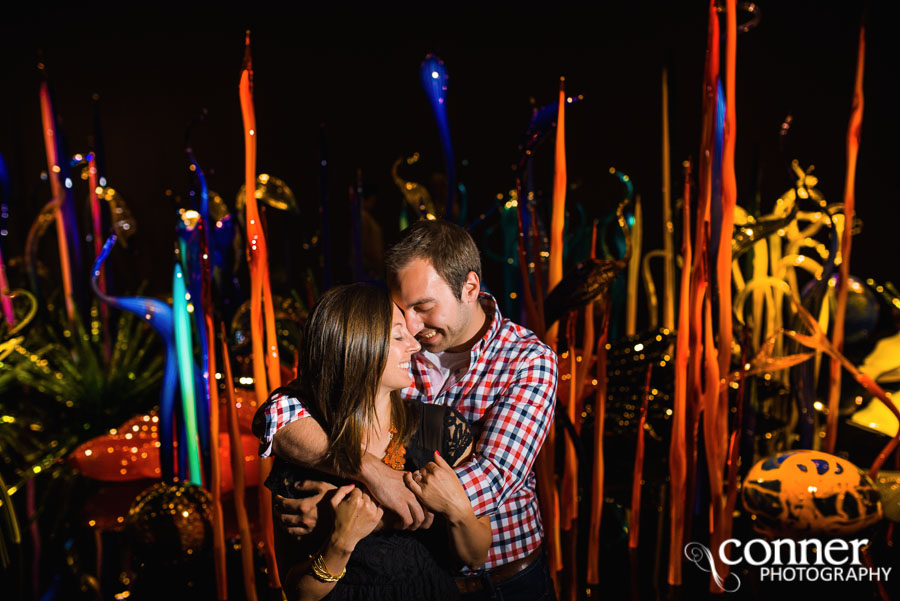 chihuly garden and glass engagement photos